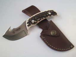 137c-cudeman-stag-horn-guthook-skinning-knife-40-p.jpg