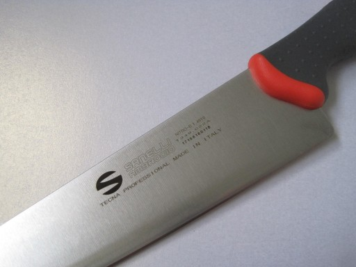 chef-s-knife-9-inches-or-22-cm-from-the-tecna-range-by-sanelli-ambrogio-[3]-259-p.jpg